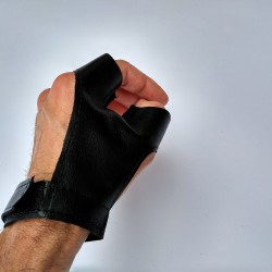 Hand guard Y archery glove